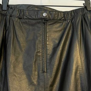 EUC Linda Kara Women's 100% Black Leather Skirt